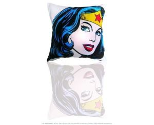 coussin wonder woman